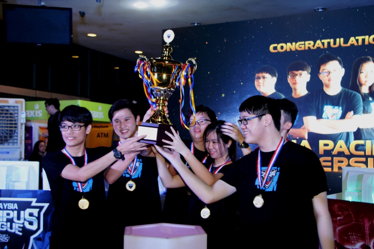APU STUDENTS WIN FIRST-EVER SCHOLARSHIPS IN MALAYSIAN ESPORTS HISTORY